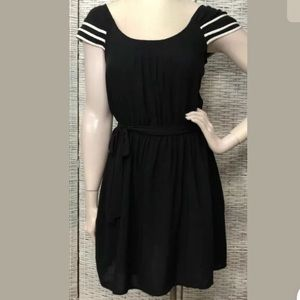ELLE sz M Black & White Tiered Sleeveless Dress